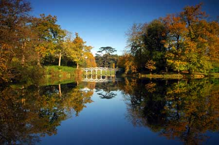 Photograph of the Chinese Bridge, Painshill Park, by Fred Holmes, November 2005. Copyright: Fred Holmes.