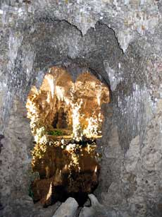 The interior of the Grotto, Painshill Park. Copyright: Painshill Park Trust.