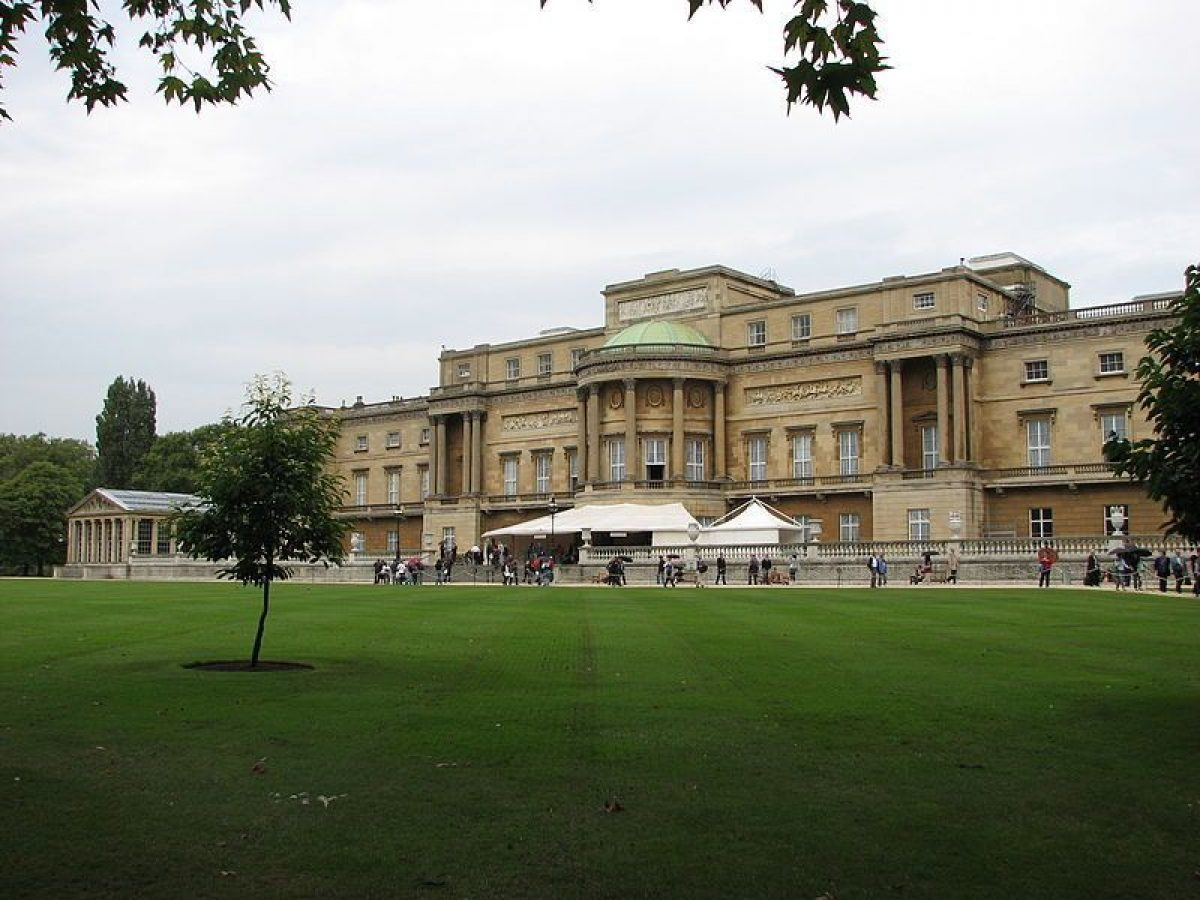 Pgds 20140723 144946 Buckingham Palace   View From The Garden 2947070251