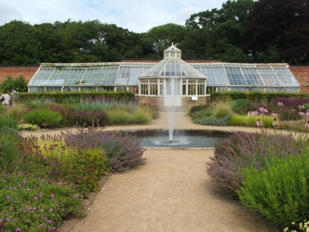 Pgds 20140919 151643 Greenhouses Scampston Walled Garden   Geograph Org Uk   1996806