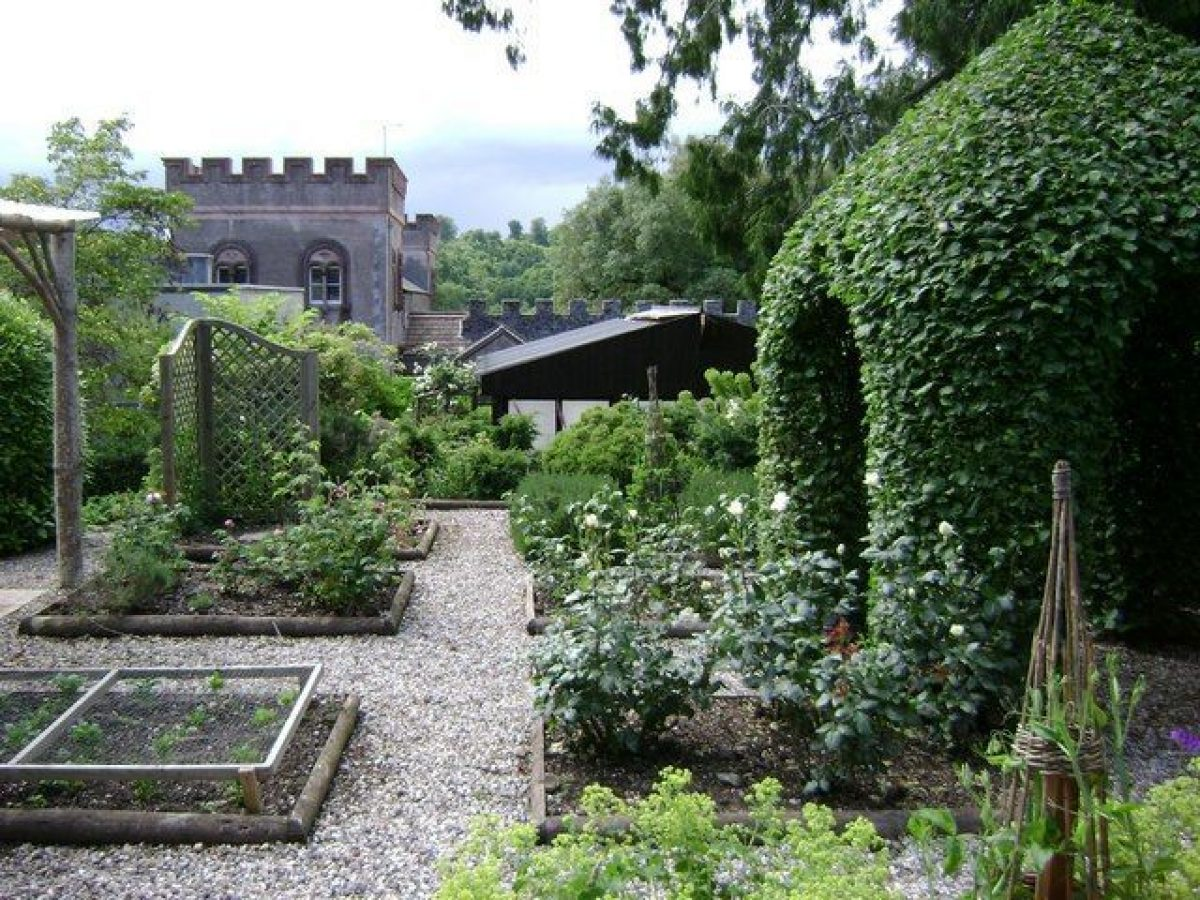 Pgds 20140926 153021 The Picking Garden Ugbrooke House   Geograph Org Uk   1363522
