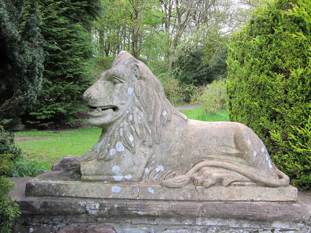 Pgds 20141011 203050 Dean Castle Lion Sculpture By Jm Craig