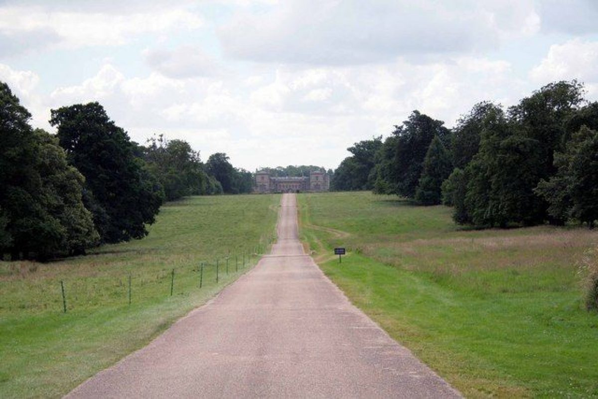 Pgds 20150520 142710 Grimsthorpe Castle Drive From The A151   Geograph Org Uk   886816
