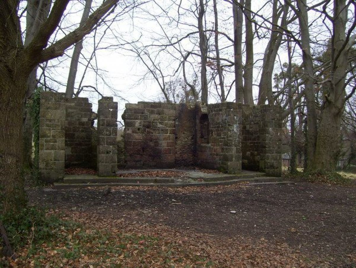 Pgds 20151127 142924 Stoneham War Shrine